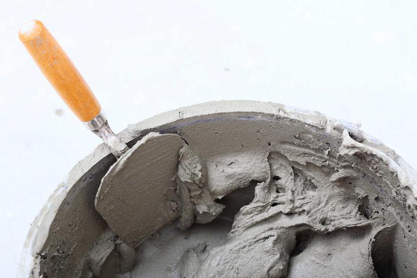 Zaprawa murarska rozrobiona w wiaderku lub zaprawa do murowania oraz jej cena, opinie, zastosowanie i wydajność