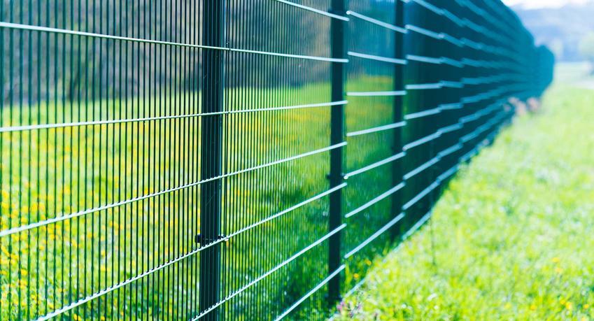 Panele ogrodzeniowe i inne ogrodzenia Wiśniowki oraz bramy wjazdowe i drzwi zewnętrzne oraz rodzaje ogrodzeń, ich cennik i opinie