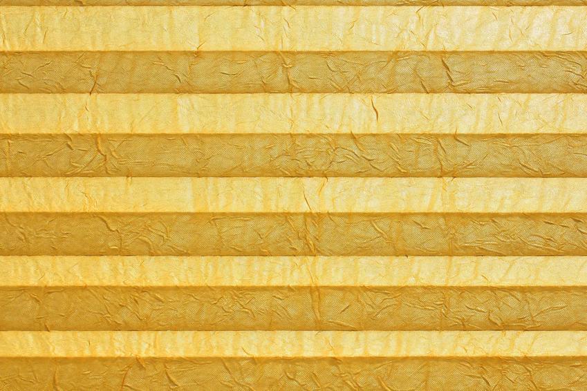 Żółte żaluzje pilsowane, czyli pilsy lub rolety pilsowane oraz ceny rolet plisowanych w sklepach, najlepsi producenci