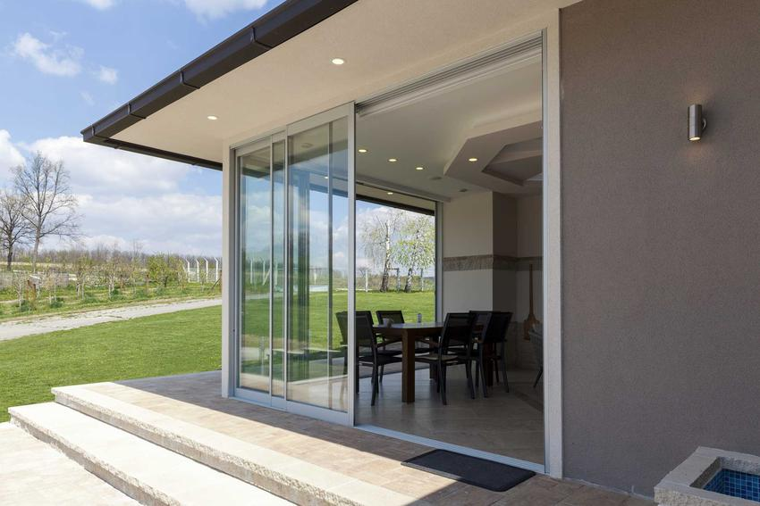 Okna tarasowe i drzwi tarasowe oraz drzwi balkonowe podwójne, a także ich rodzaje i cena oraz opinie o najlepszych producentach