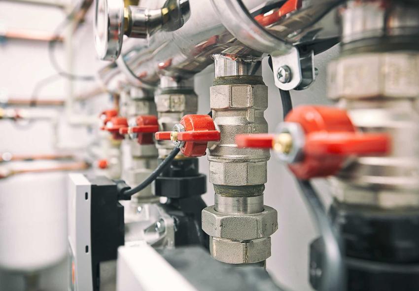 Zawór różnicowy c.o. i zawór grawitacyjny jako zawory wodne w instalacji, a także rodzaje zaworów, zastosowanie oraz podłączenie