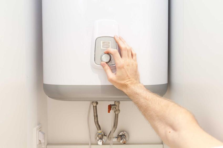 Bojler elektryczny oraz podłączenie bojlera elektrycznego do instalacji c.o. - montaż krok po kroku