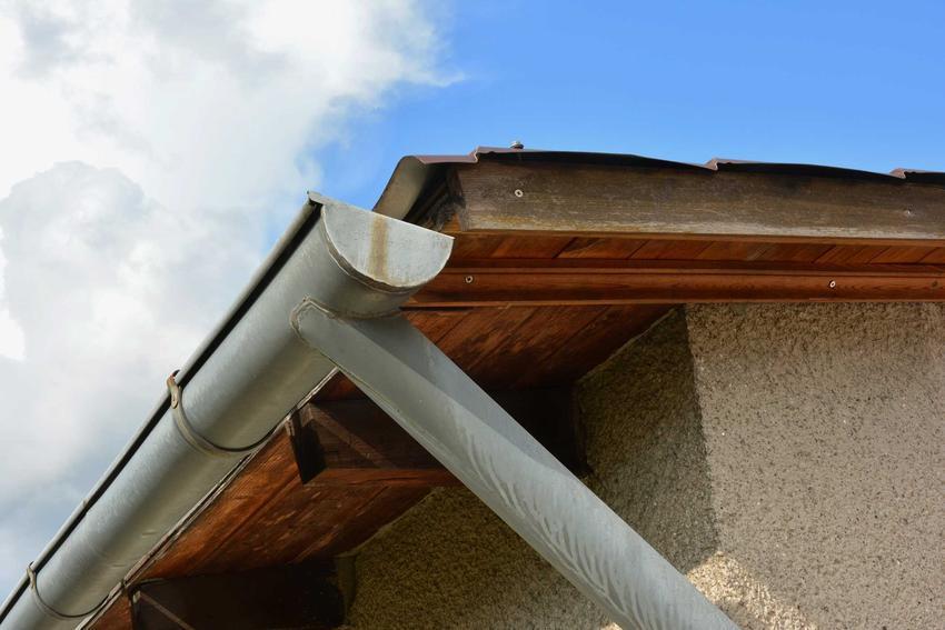 Rynny aluminiowe na dachu domu oraz ich rodzaje, ceny i cennik, producenci, zastosowanie, wady i zalety