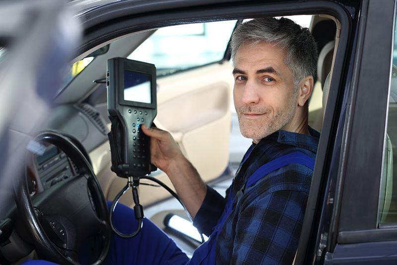 Cennik diagnostyki samochodowej, czyli ile kosztuje wykonanie diagnostyki samochodu w warsztacie i w serwisie