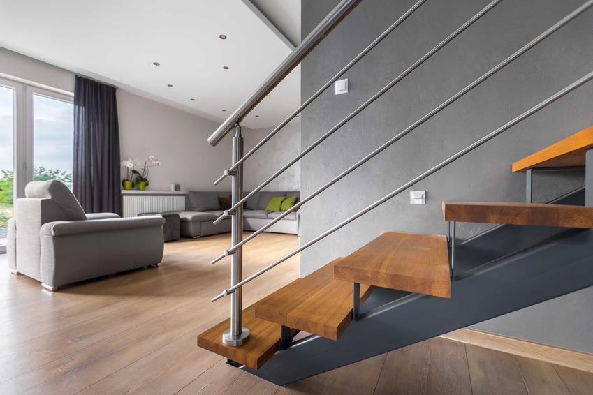 Schody drewniane, schody modułowe, schody kręcone i inne w Leroy Merlin, czyli oferta sklepu oraz koszt schodów