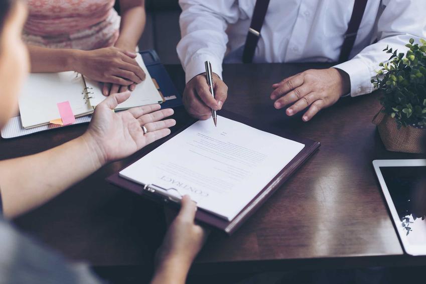 Zgłoszenie darowizny do urzędu skarbowego oraz deklaracja darowizny, na przykład od rodziców lub najbliższych osób z zerowej grupy podatkowej