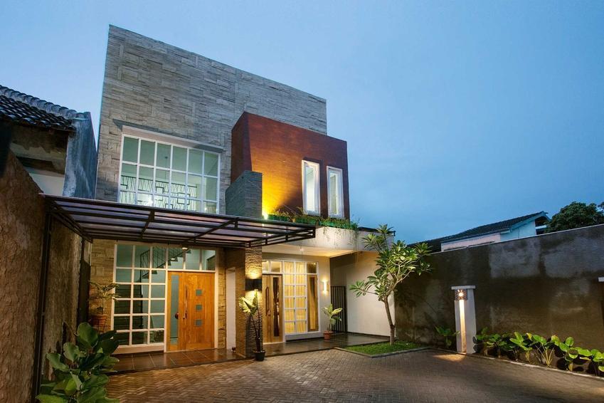Oświetlenie zewnętrzne domu oraz projekt oświetlenia zewnętrznego budynku, w tym oświetlenie elewacji i ogrodu, ciekawe pomysły i rozwiązania - porady