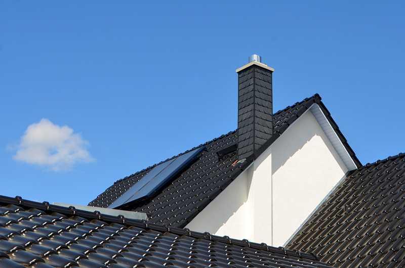 Dach wielospadowy na domu jednorodzinnym, a także porównanie kosztów dachów różnego rodzaju i różnego kształtu