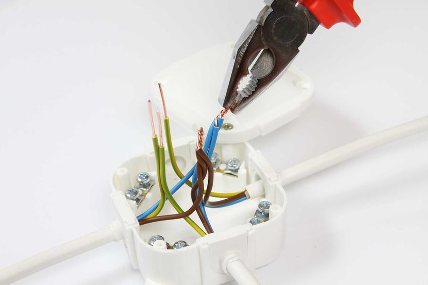 Puszka elektryczna, w tym puszka natynkowa i podtynkowa hermetyczna oraz ich ceny, montaż i porady w czasie montażu