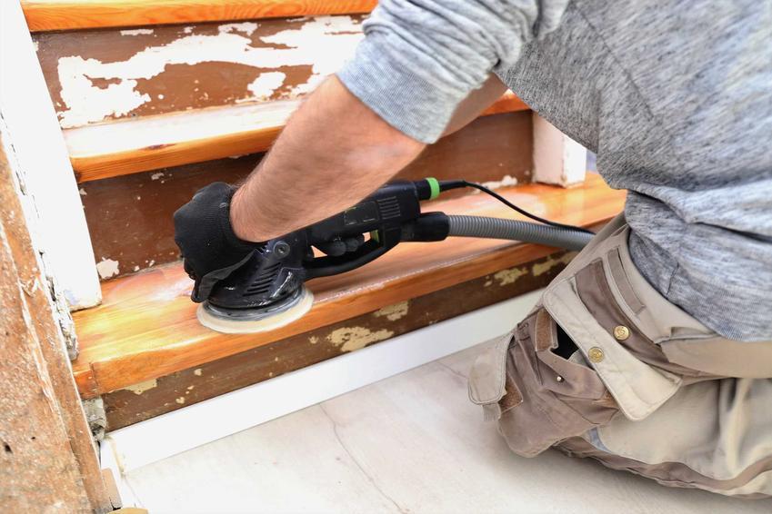 Cyklinowanie i renowacja schodów drewnianych, czyli porady, jak odnowić schody drewniane, sposoby, możliwości oraz preparaty