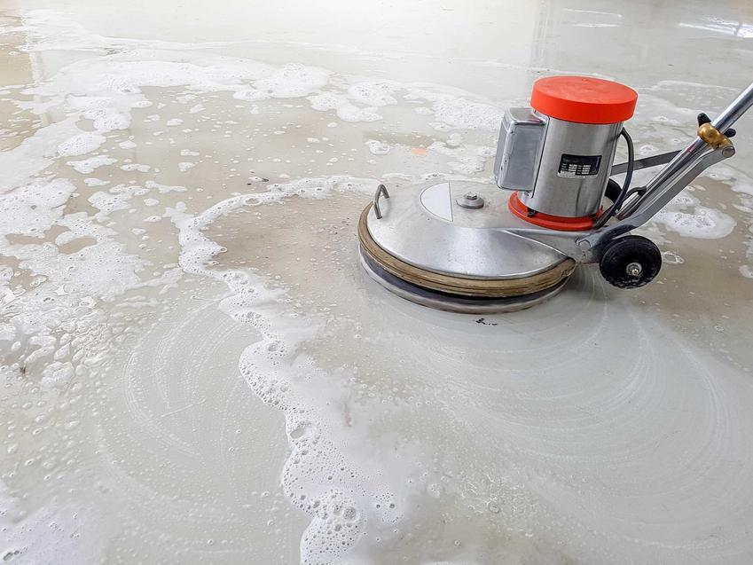 Szlifowanie posadzek, czyli tarcza do szlifowania betonu i szlifkierki do betonu, a także spospoby, ceny i porady