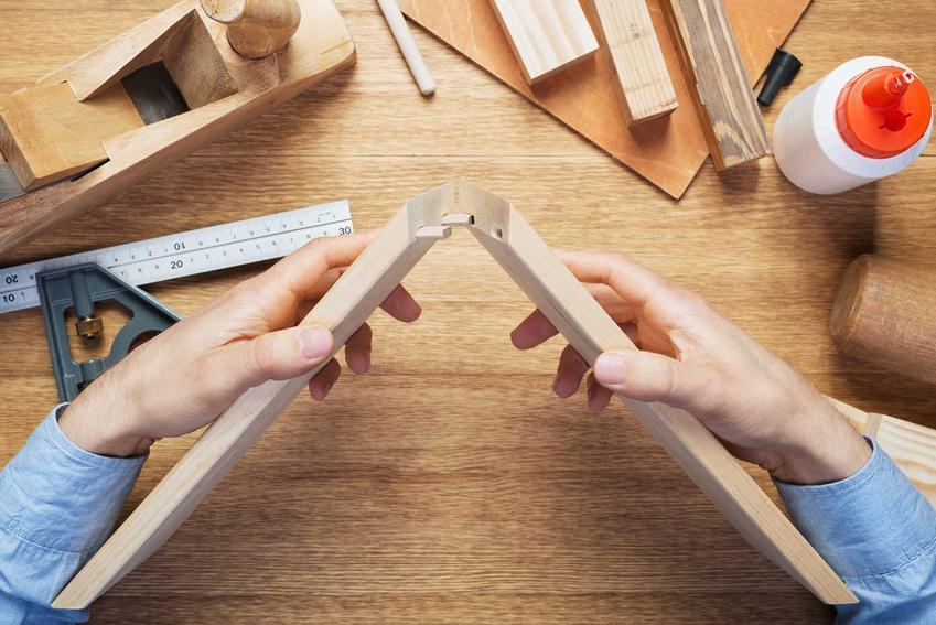 Klejenie drewna, a także klej wikol do drewna jako popularny klej stolarski oraz jego zastosowanie, opinie, skład i cena