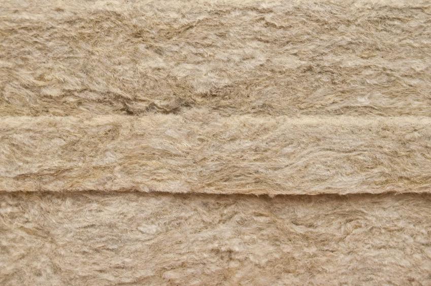 Wełna mineralna w płytach oraz cena wełny mineralnej i cennik wełny, czyli koszt za ocieplenie wełną
