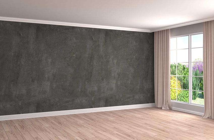 Stiuk wenecki na dużej ścianie oraz stiuki dekoracyjne i porady, jak wykonać stiuk wenecki, a także ich wady i zalety oraz ceny