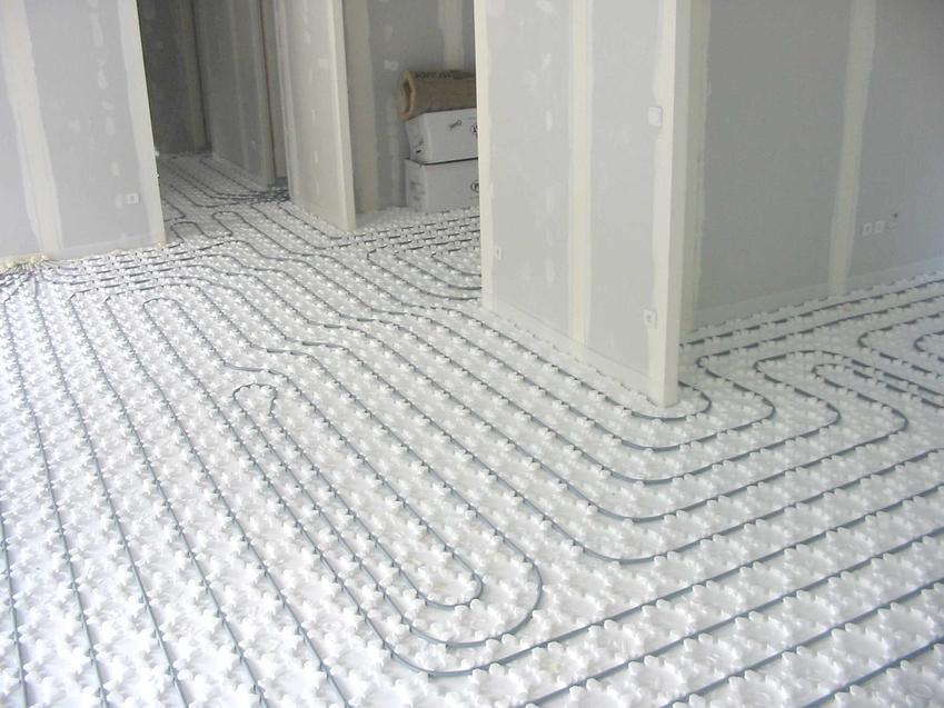 Ocieplanie podłogi pod ogrzewaniem podłogowym oraz ocieplenie podłogi i izolacja podłogi w domu na gruncie i nie tylko