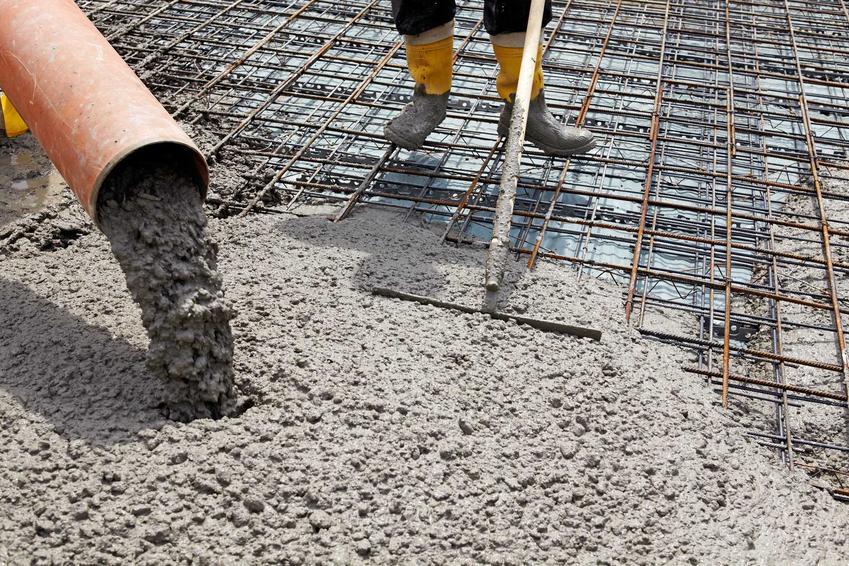 Budowa fundamentów oraz informacje, ile betonu na fundamenty, a ile betonu na strop będzie potrzebne przy budowie