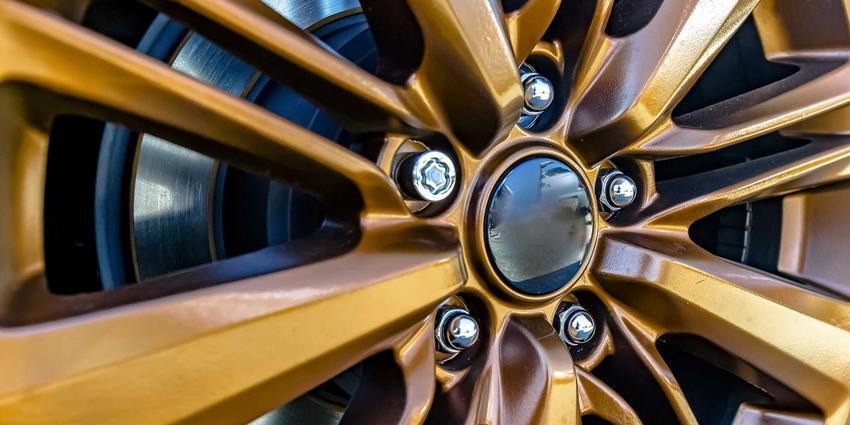Śruby pływające do felg, czyli śruby do kół samochodowych różnych marek i opinie na ich temat, rodzaje i zastosowanie
