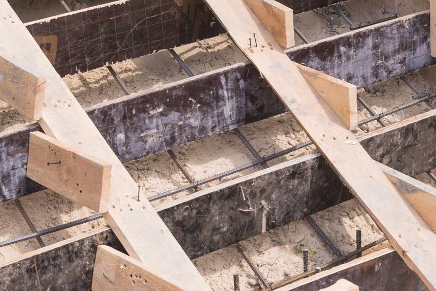 Zbrojenie schodów żelbetowych i betonowych, czyli pręty na schody i wylewanie schodów krok po kroku - porady