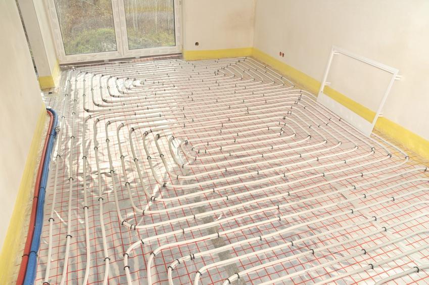 Folia pod ogrzewanie podłogowe i ogrzewanie podczas montażu, a także polecana folia pod podłogówkę i jej cena