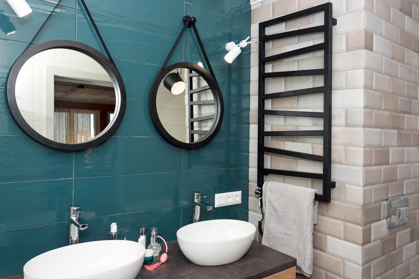Grzejnik łazienkowy, czyli czarny grzejnik drabinkowy, jego cena i opinie, a także inne rodzaje