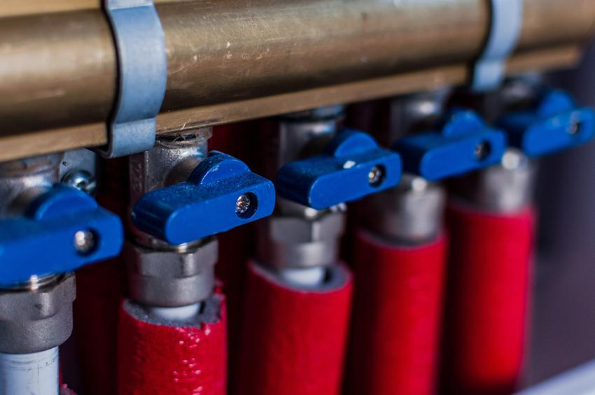 Rozdzielacze centralnego ogrzewania, czyli rozdzielnia w instalacji CO do grzejników