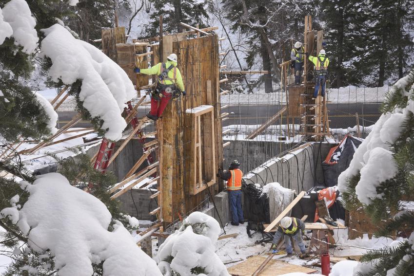 Budowa domu zimą oraz strefa przemarzania gruntu i głębokość przemarzania gruntu w Polsce
