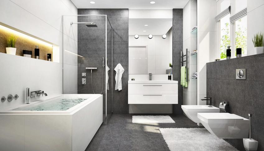 Pięknie zaaranżowana łazienka oraz optymalna wysokość wanny łazienkowej