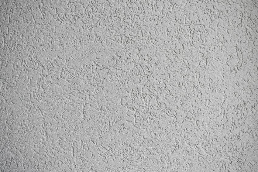 Tynk akrylowy na ścianie oraz puc akrylowy lub akrylowy tynk elewacyjny i jego użycie