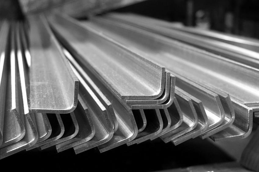 Kątowniki metalowe, a także kątowniki stalowe i kątowniki aluminiowe oraz ich zastosowanie i ceny
