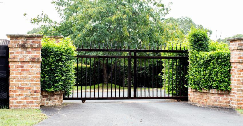 Brama metalowa ogrodowa i inne bramy ogrodowe, a także ich ceny i opinie