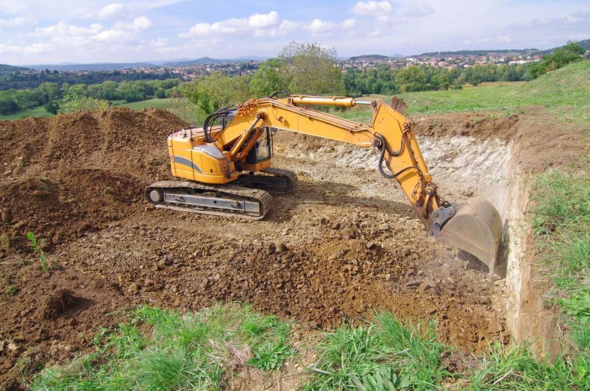 Kopanie fundamentów na budowie, a także zagospodarowanie terenu budowy