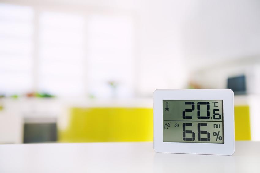 Higrometr wskazujący wilgotność powietrza, a także porady jaka powinna być wilgotność w mieszkaniu