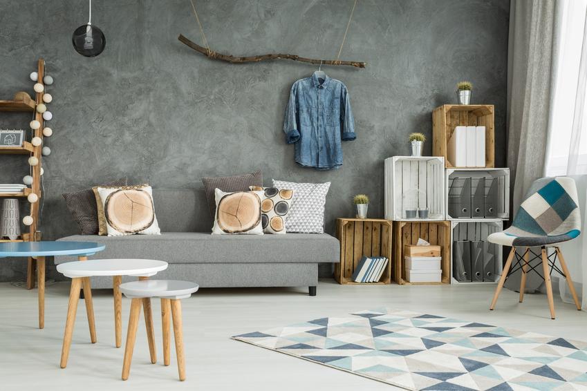 Stiuk wenecki w nowoczesnym salonie oraz jego cena i wykonanie
