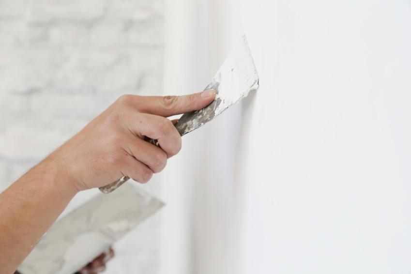 Sztablatura podczas prac wykończeniowych, czyli sztablatura gipsowa i sztablatura ścian
