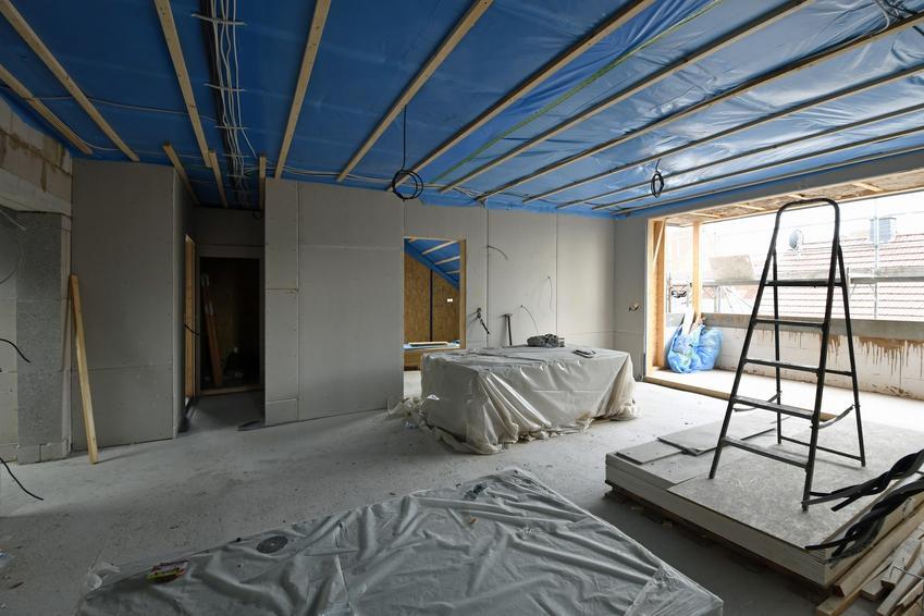 Folia wiatroizolacyjna użyta jako membrana dachowa, a także jej cena i zastosowanie