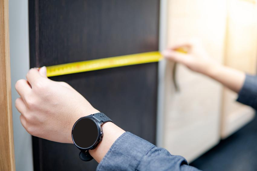 Pomiar szafy na wymiar, a także szafy wnękowe do zabudowy na zamówienie