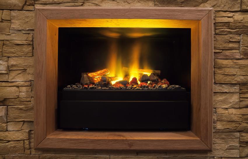 Kominek elektryczny palący się w domu, a także polecane kominki elektryczne w castoramie