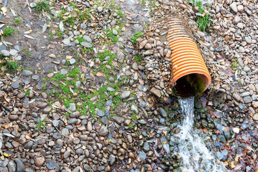 Odprowadzenie wody deszczowej, a także zasuwa burzowa, klapy burzowe, zawor burzowy
