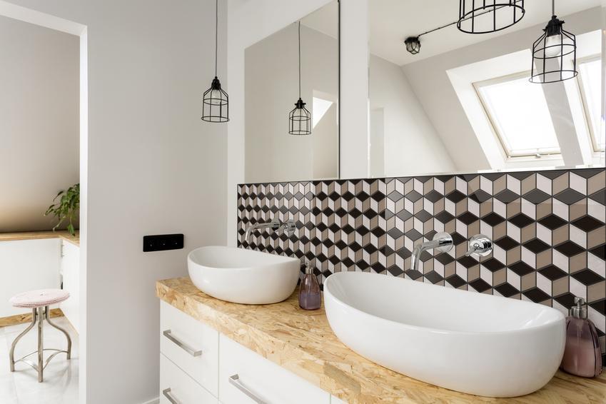 Połączenie praktyki z estetyką, czyli płytki diamond w łazience