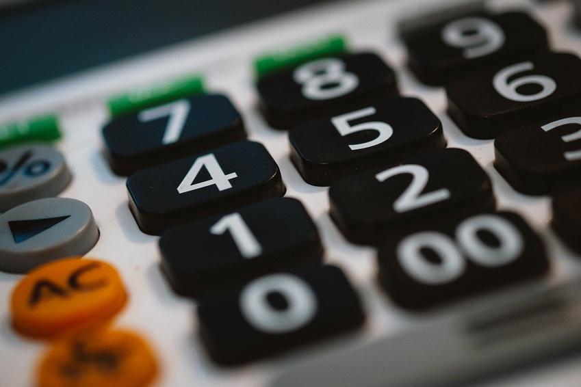 Kalkulator OC bez podawania danych. Czy warto z niego korzystać?