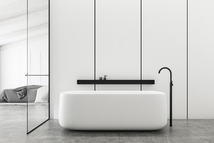Nowoczesna łazienka w minimalistycznym stylu, a także panele szklane do łazienki i płytki szklane