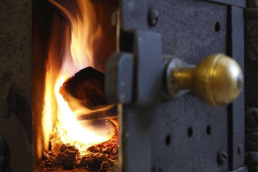 Ogrzewanie domu jednorodzinnego paliwem stałym jest bardzo popularne. Kotły ogrzewania na paliwo stałe to dość duża inwestycja.