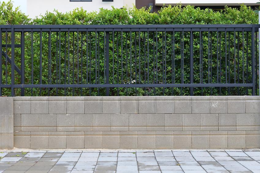 Ogrodzenie z bloczków betonowych, czyli bloczki ogrodzeniowe na ogrodzenie