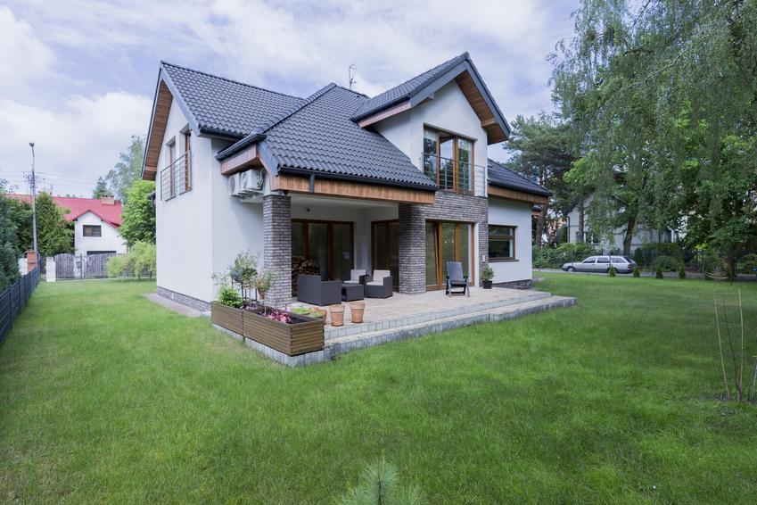 Dom na działce, a także projekt elewacji, projekty elewacji domów jednorodzinnych