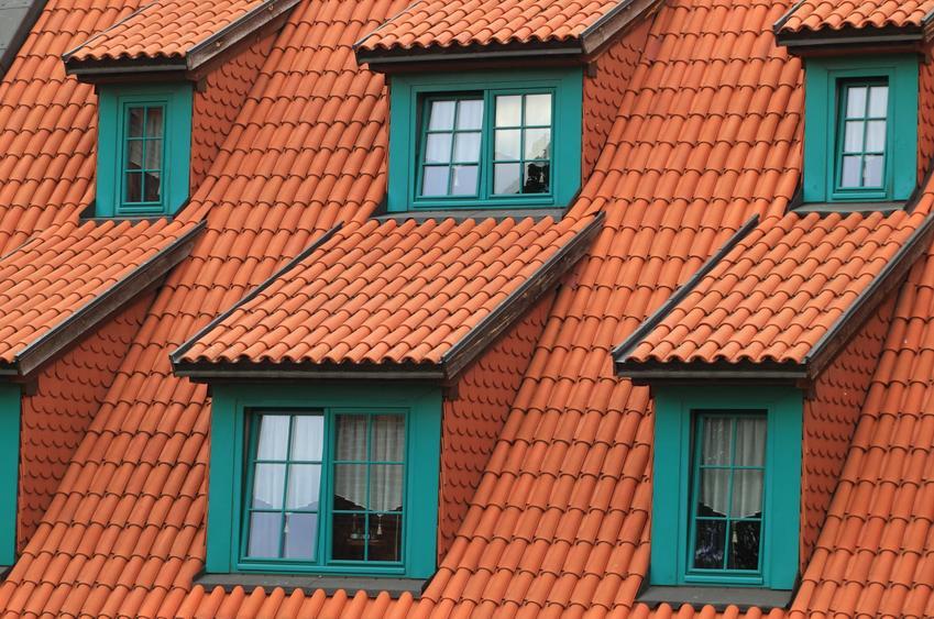 Dachówka ceramiczna — poznaj jej 3 najpopularniejsze rodzaje