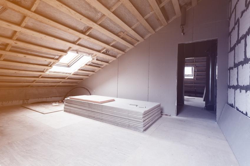 Poddasze domu ze styropianem, a także ocieplenie murłaty od wewnątrz i od zewnątrz