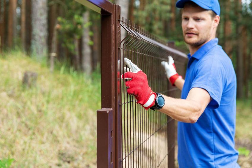 Montaż ogrodzenia – popularne w 2020 roku metody i typy ogrodzeń