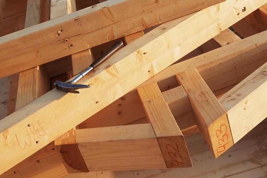 Drewniany dźwigar dachowy, a także rodzaje dźwiagarów i budowa dachu