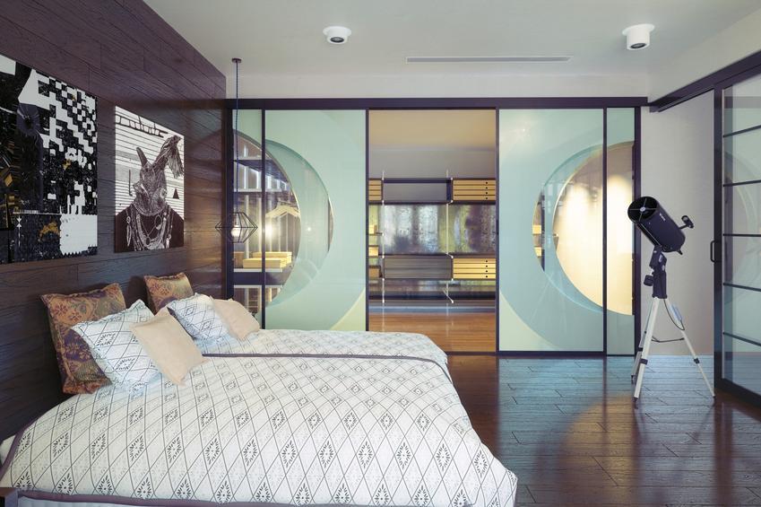 Pięknie zaaranżowana sypialnia, a także ściany przesuwne, ścianki przesuwne do mieszkania