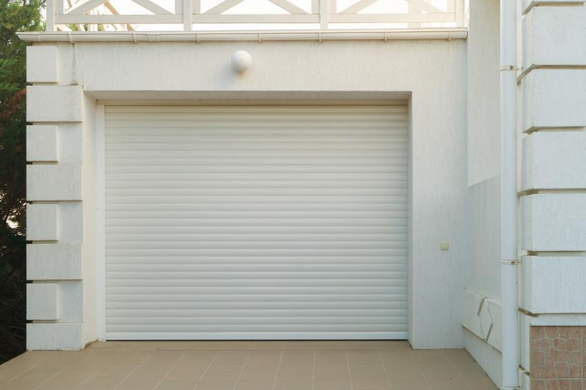 Biała brama garażowe, a także bramy wiśniowski i bramy garażowe wiśniowski